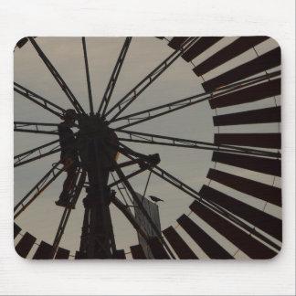 Mousepad da silhueta do moinho de vento