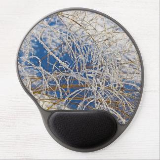 Mousepad De Gel Área coberto de neve com grama seca em um dia