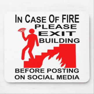 Mousepad Em caso do fogo retire por favor a construção
