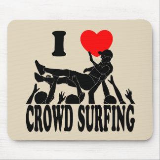 Mousepad Eu amo a multidão que surfa (homem) (o preto)
