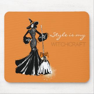 Mousepad fashionillustration do Dia das Bruxas com uma
