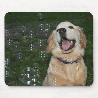 Mousepad Filhote de cachorro do golden retriever com bolhas
