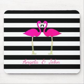 Mousepad Flamingos cor-de-rosa, preto, listras brancas
