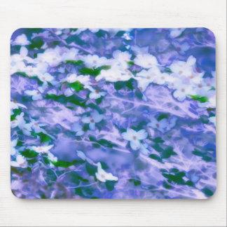 Mousepad Flor branca do Dogwood no azul