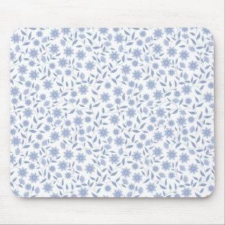 Mousepad Flores azuis no teste padrão branco