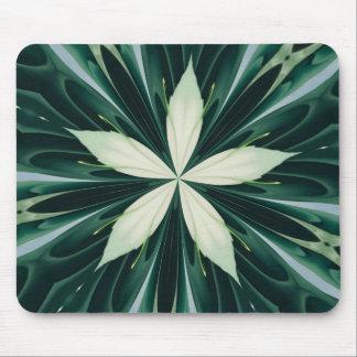 Mousepad Folhas do branco em um caleidoscópio verde da
