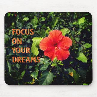 Mousepad Hibiscus alaranjado e citações positivas