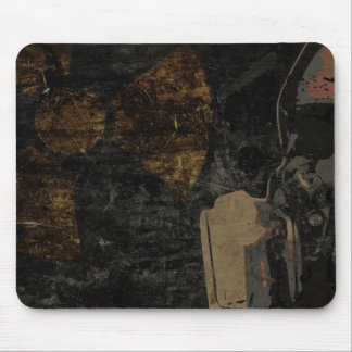 Mousepad Homem com máscara protetora na placa de metal