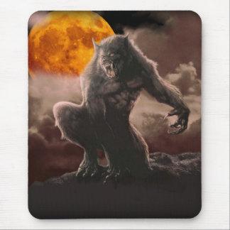 Mousepad Homem-lobo na lua vermelha