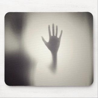 Mousepad Mão assustador no painel de vidro o Dia das Bruxas