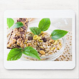 Mousepad Mistura seca de muesli e de cereal em uma bacia de