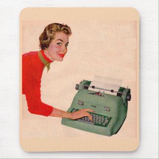 Mousepad Mona e sua máquina de escrever nova