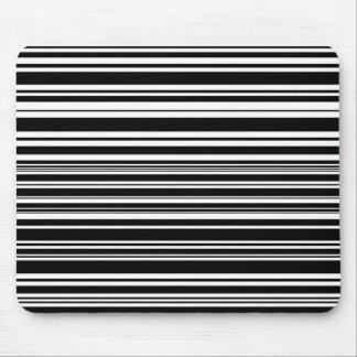 Mousepad Multidões de listras preto e branco desiguais