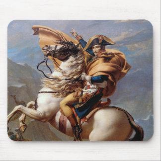 Mousepad Napoleon que cruza os cumes por David
