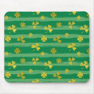 Mousepad O verde dourado do trevo de St Patrick listra o