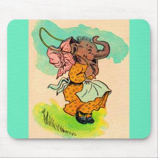 Mousepad os anos 30 vestiram o elefante que joga a corda de