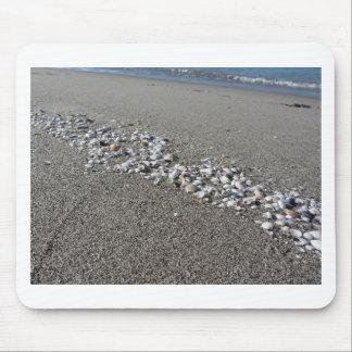 Mousepad Os Seashells no verão da areia encalham a opinião