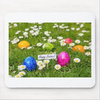Mousepad Ovos da páscoa pintados na grama com margaridas
