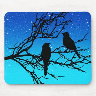 Mousepad Pássaros em um ramo, preto contra o nivelamento do