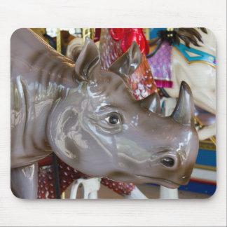 Mousepad Passeio do carrossel do rinoceronte no carrossel