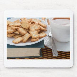Mousepad Placa com biscoitos e copo do chá