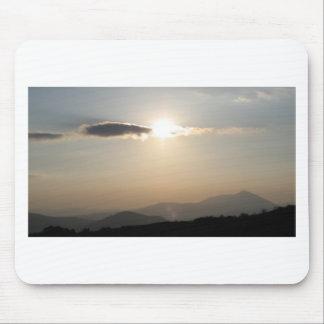 Mousepad Por do sol sobre montanhas