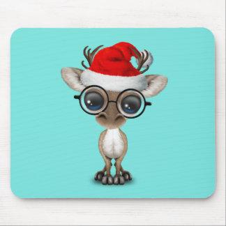 Mousepad Rena Nerdy do bebê que veste um chapéu do papai