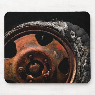 Mousepad Roda oxidada fotografia rasgada do macro do pneu
