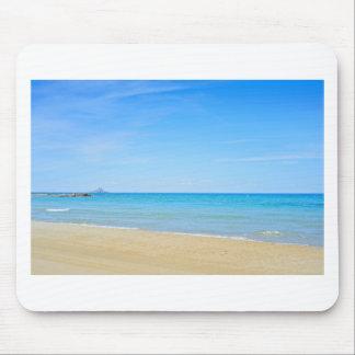 Mousepad Sandy Beach e mar Mediterrâneo azul