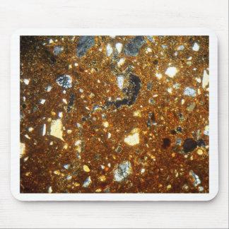 Mousepad Seção fina de um tijolo sob o microscópio