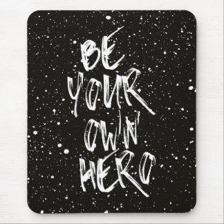 Mousepad Seja suas próprias citações (pretas) do herói