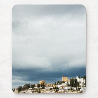 Mousepad Skyline da parte histórica de uma cidade em uma