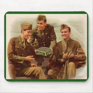 Mousepad soldados do anúncio dos anos 40 WWII com os doces