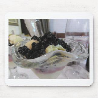 Mousepad Sorvete da baunilha com uvas-do-monte silvestres