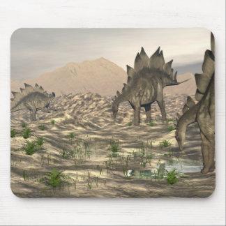 Mousepad Stegosaurus perto da água - 3D rendem