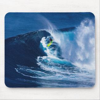 Mousepad Surfista na prancha verde