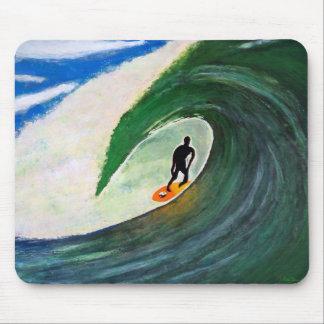Mousepad Surfista que surfa a onda do tubo em Havaí