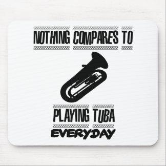 Mousepad Tendendo o design do jogador da tuba