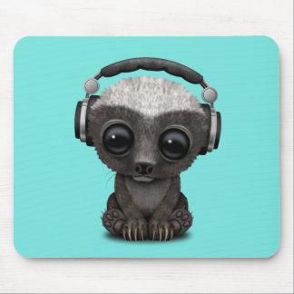 Mousepad Texugo de mel bonito DJ do bebê que veste fones de