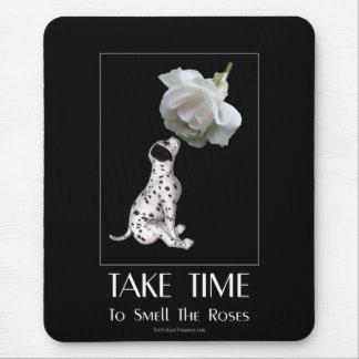 Mousepad Tome o filhote de cachorro e o rosa do tempo