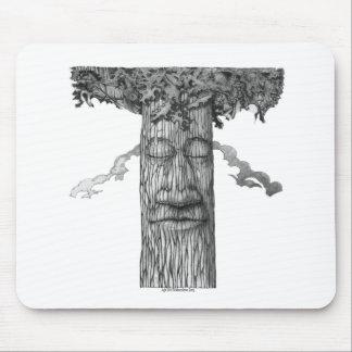 Mousepad Um cobrir poderoso B&W da árvore