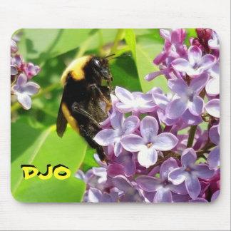 Mousepad Zangão na flor do Lilac suas iniciais