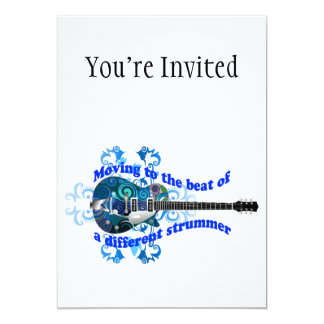 Mover-se para a batida de uma guitarra diferente convite 12.7 x 17.78cm