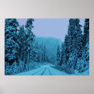 Movimentação da montanha do inverno posteres