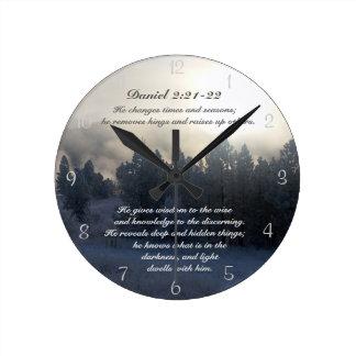 Muda épocas e estações, bíblia do 2:21 de Daniel Relógios De Pendurar