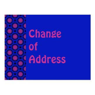 Mudança do azul de endereço com pontos roxos cartão postal