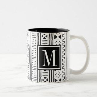 Mudprint inspirou o monograma caneca de café em dois tons