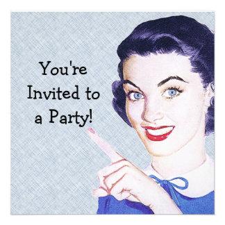 Mulher apontando dos anos 50 retros convites personalizados