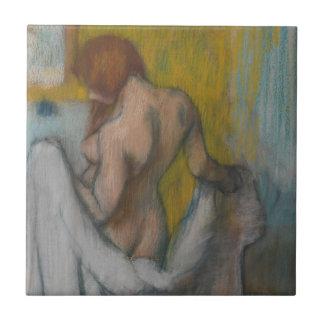 Mulher com uma toalha