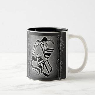 Mulher de Minoan no pensamento Caneca De Café Em Dois Tons